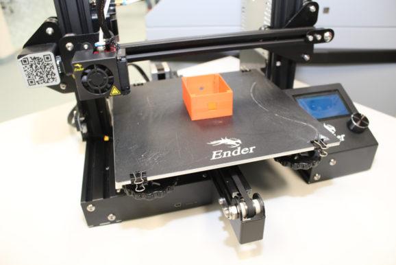 Schüler/innen bauen 25 D.I.Y 3D-Drucker in den Herbstferien